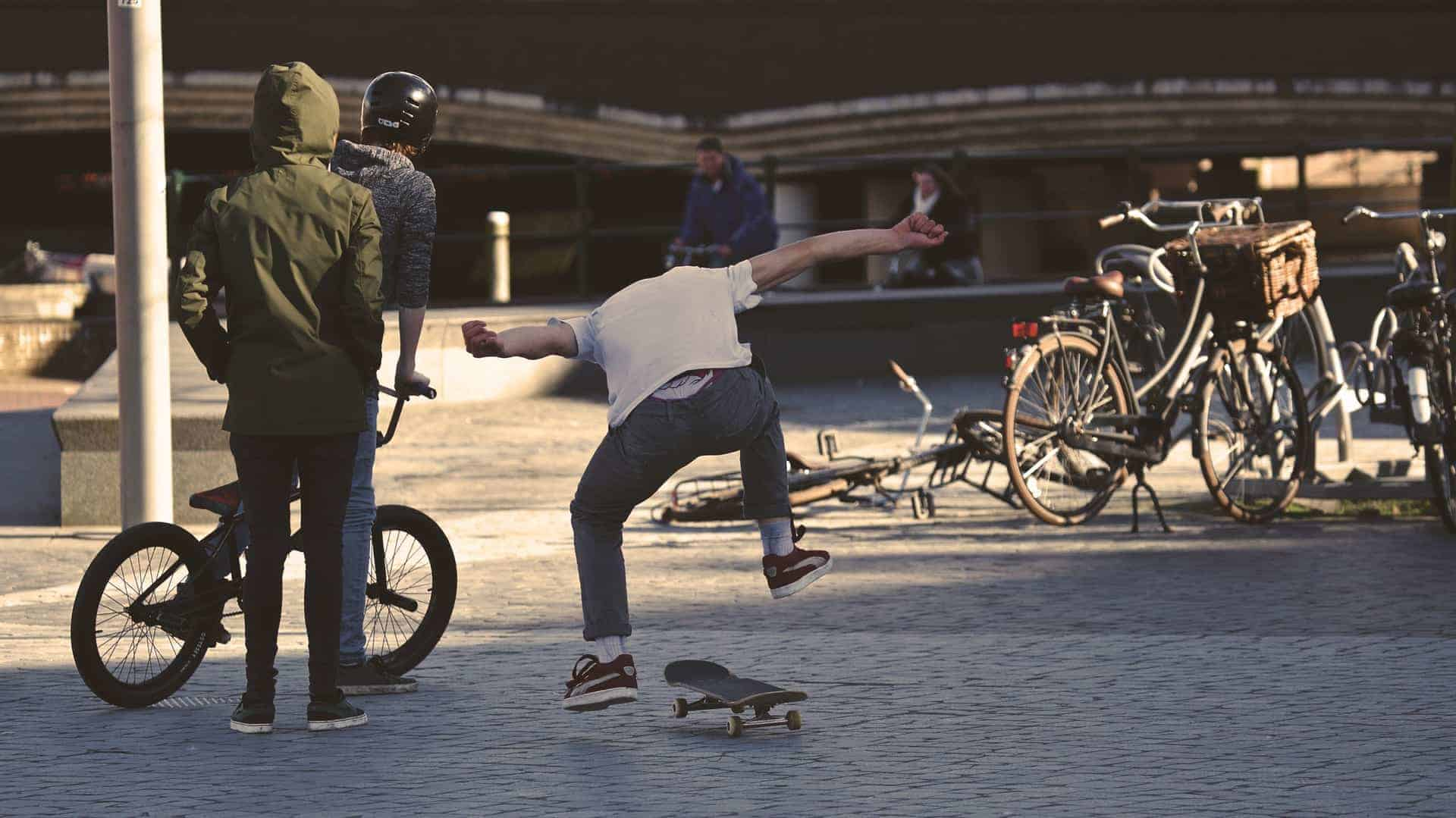 Skateboarding Safety Tips and Guide 2