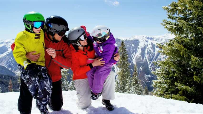 Snowboarding Holiday- Fun Places To Go For The Whole Family