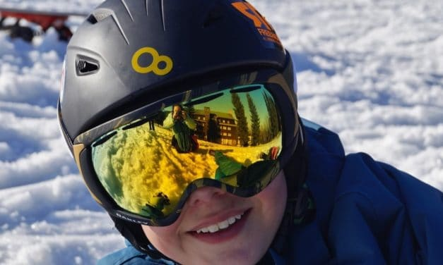 9 Best Snowboarding Goggles With Complete Buying Guide