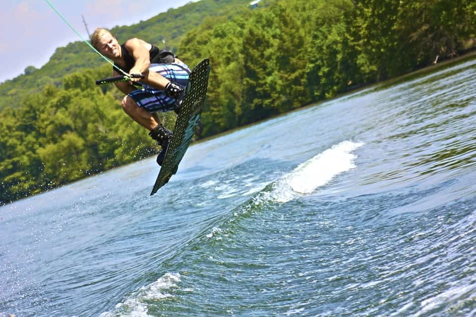 https://www.skatereview.com/best-wakeboard-ropes/